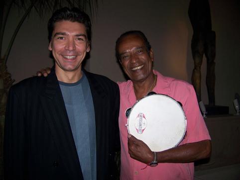 Gabriel with the «Pandeiro de Ouro»